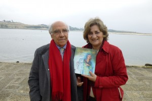 Margarida Negrais and Dr. Levi Guerra with their book.