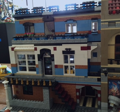 The front of my new radio station MOC.
