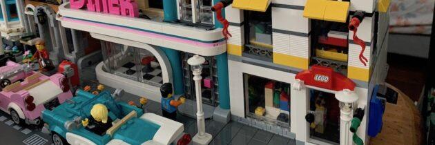 Modular LEGO Store Finished!